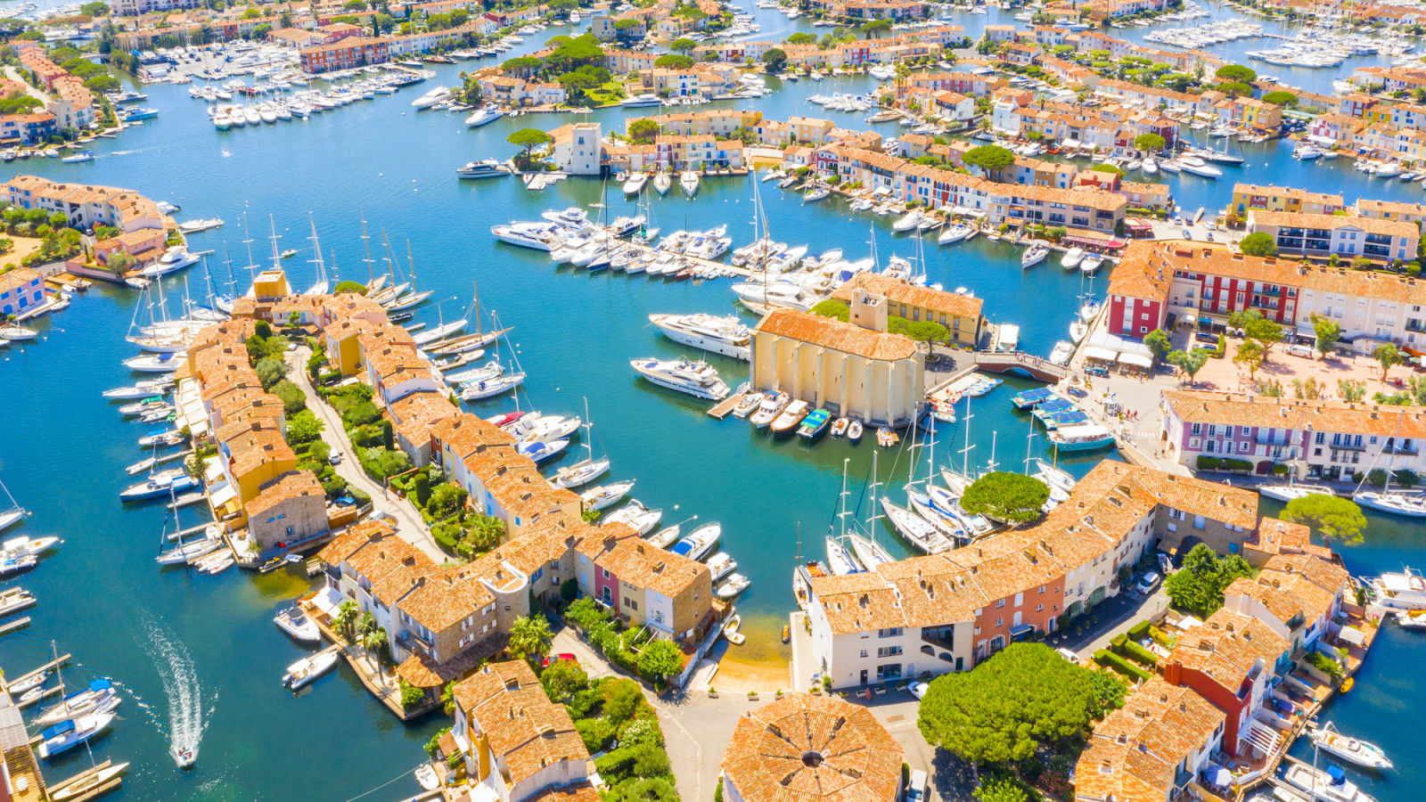 Boat Rental Port Grimaud | Yacht Charter | Tubber